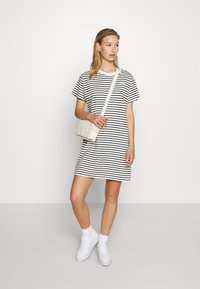 Levi's® - LULA TEE DRESS - Jersey dress - cloud dancer - 1