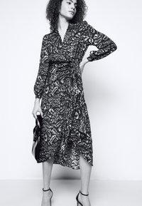 Diane von Furstenberg - STELLA - Vapaa-ajan mekko - dark green - 4