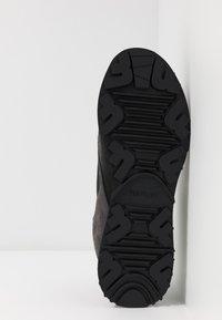 Replay - SANDOVAL - Sneakersy niskie - black/grey - 4