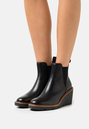 CLARKFORD TOP - Wedge Ankle Boots - black