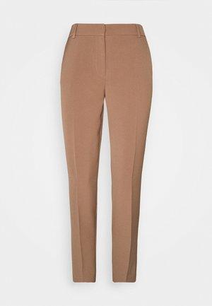 ONLVILDA ASTRID CIGARETTE PANT - Bukse - brownie