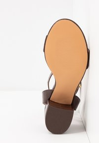 Even&Odd - Sandalias - brown - 6