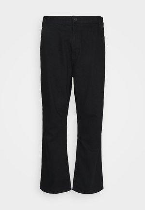 PLUS MID RISE - Jeans a sigaretta - black