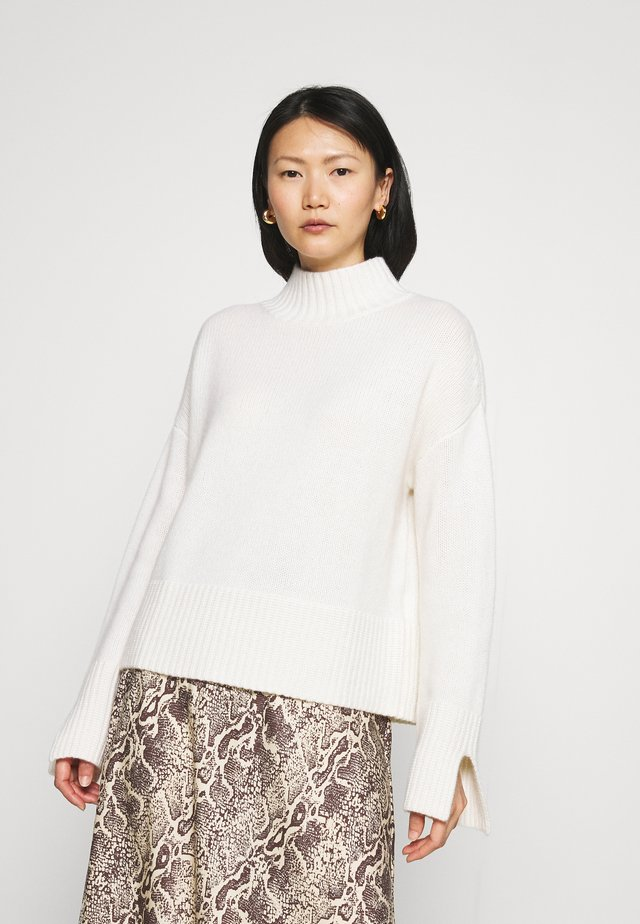 MOCKNECK - Jersey de punto - pristine white