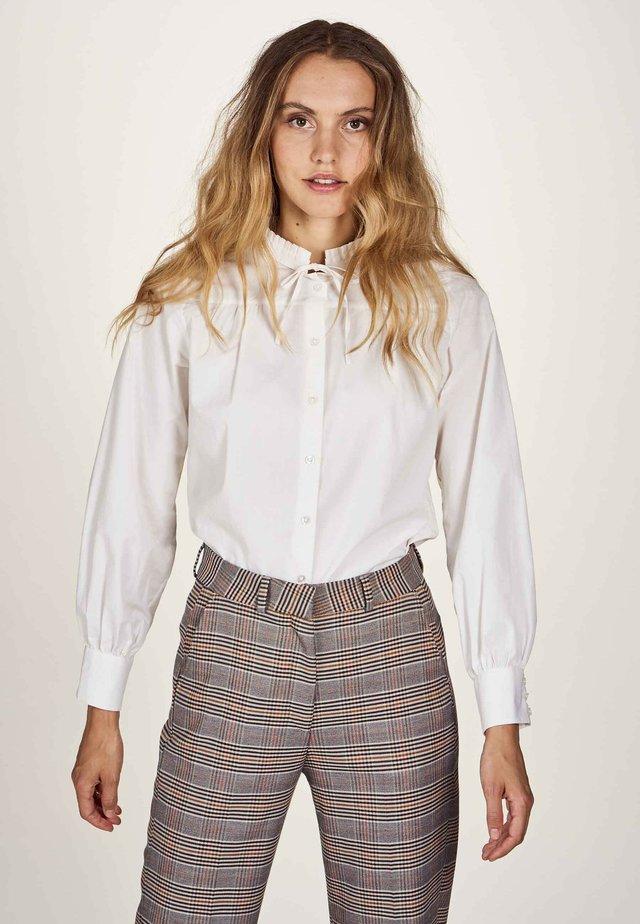 Button-down blouse - gardenia
