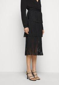 Hervé Léger - Pencil skirt - black - 0