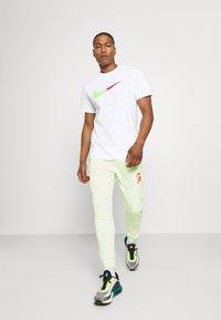 Nike Sportswear - TEE BRANDRIFF - Print T-shirt - white - 1
