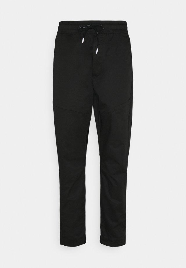 KOBE PANT - Pantalon cargo - black