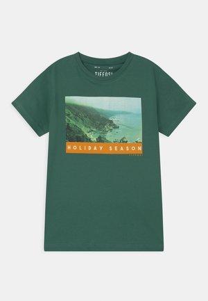 URIAH - Print T-shirt - green