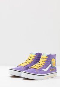 Vans - THE SIMPSONS SK8 ZIP - Sneakers alte - purple - 3