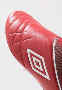 Umbro - MEDUSÆ III ELITE FG - Moulded stud football boots - toreador/white/merlot - 5