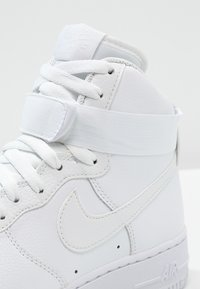 Nike Sportswear - AIR FORCE 1 '07 - Sneakersy wysokie - white - 5