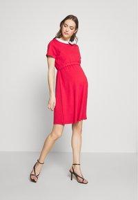 Pomkin - COLETTE - Žerzejové šaty - corail - 1