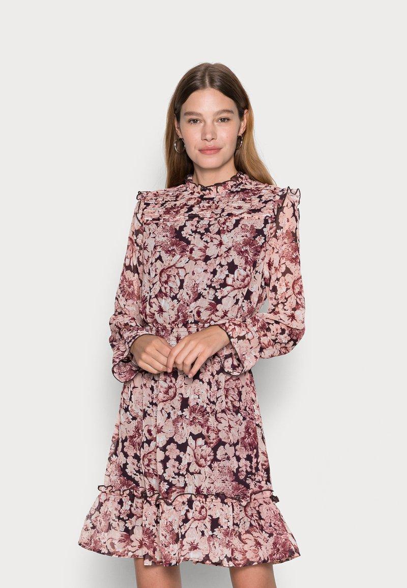 ONLY - ONLSKYE SMOCK DRESS - Day dress - rose browntonal