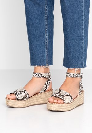 WIDE FIT POPPINS - Platform sandals - stone