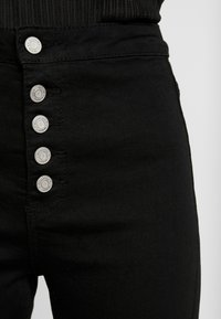 Missguided - VICE BUTTON UP - Skinny džíny - black - 4