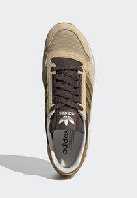 adidas Originals - ZX 500 UNISEX - Trainers - hazy beige mesa brown - 3