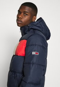 Tommy Jeans - COLORBLOCK PADDED JACKET - Winter jacket - twilight navy - 5