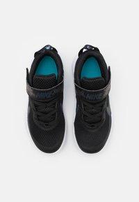 Nike Performance - TEAM HUSTLE UNISEX - Basketball shoes - black/multicolor/chlorine blue/white - 3