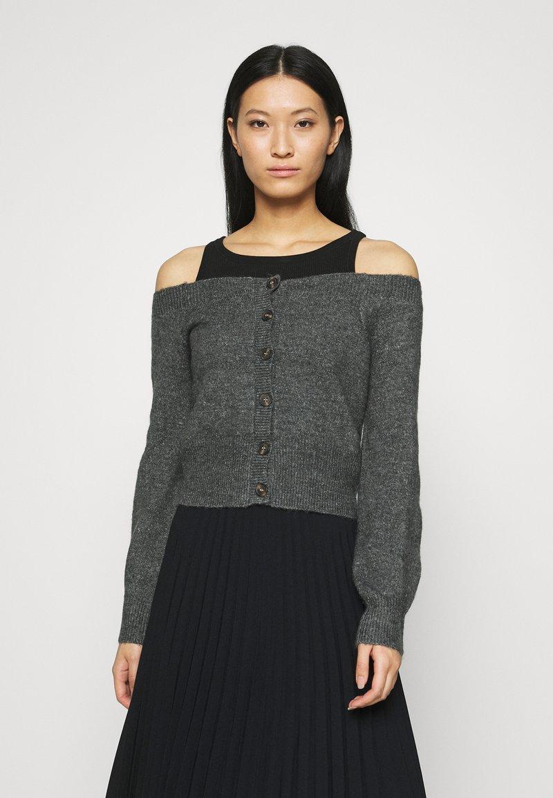 Who What Wear - OFF THE SHOULDER CARDIGAN - Cardigan - dark heather grey