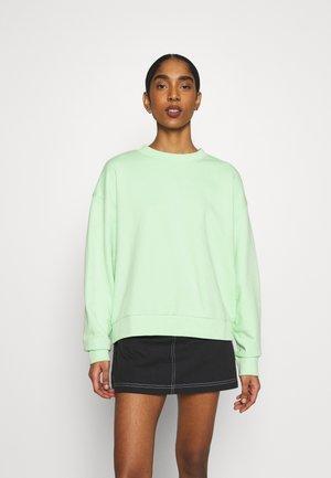 HUGE CROPPED - Sweatshirt - apple green