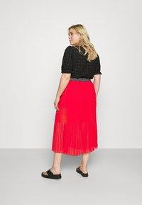 Simply Be - PLISSE MIDI SKIRT - A-line skirt - oxy red - 3