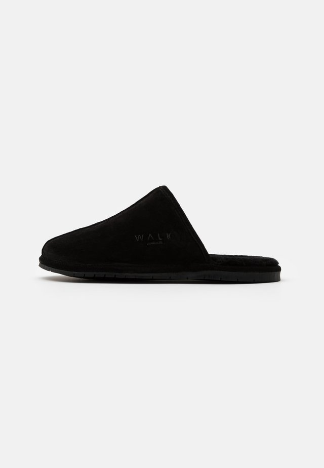 LANGLEY - Chaussons - black