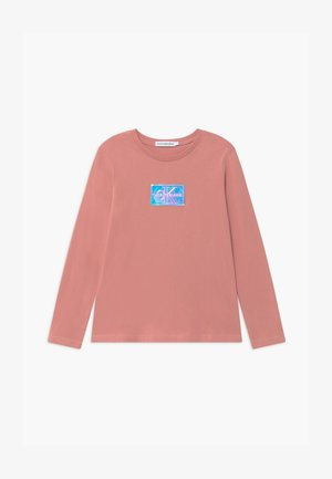 MONOGRAM BADGE SLIM - Long sleeved top - pink