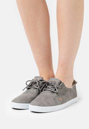 KYOTO - Sneakers basse - greyish/white