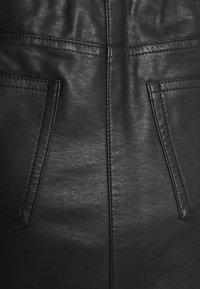 edc by Esprit - SKIRT - Spódnica skórzana - black - 2