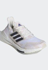 adidas Performance - Zapatillas de running estables - white - 2