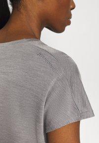 Houdini - ACTIVIST TEE - T-shirt basic - soft grey - 5