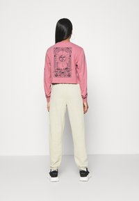 BDG Urban Outfitters - SOLAR CROP - Long sleeved top - pink - 2