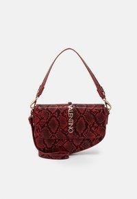 AURE - Handbag - rosso
