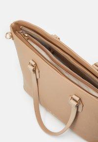 Valentino Bags - PETRA SET - Torba na zakupy - beige - 2