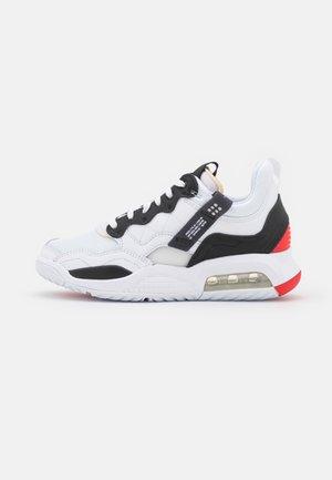 MA2 - Sneakers laag - white/black/university red/light smoke grey/praline