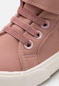 KangaROOS - KAVU III - Sneaker high - dusty rose/frost pink - 5