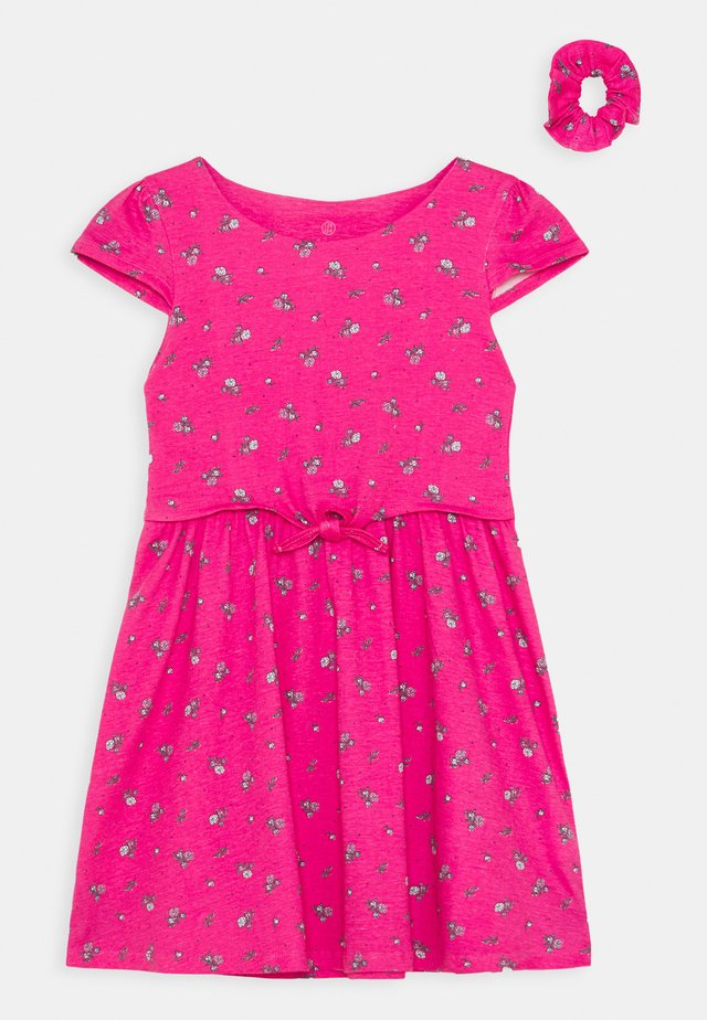 SMALL GIRLS DRESS SCRUNCHIE - Sukienka z dżerseju - fuchsia rose