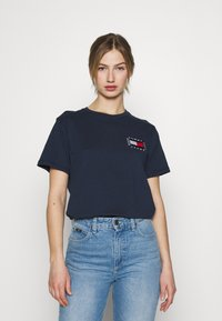 Tommy Jeans - HORIZONTAL STRIPE TEE - T-shirts med print - twilight navy - 0