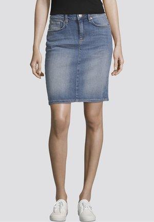 Denim skirt - light stone wash denim