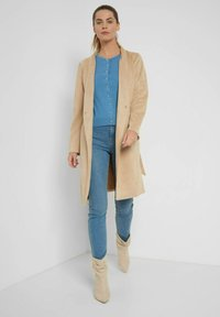 ORSAY - MIT 3D-MUSTER - Cardigan - dirty bleaches - 1