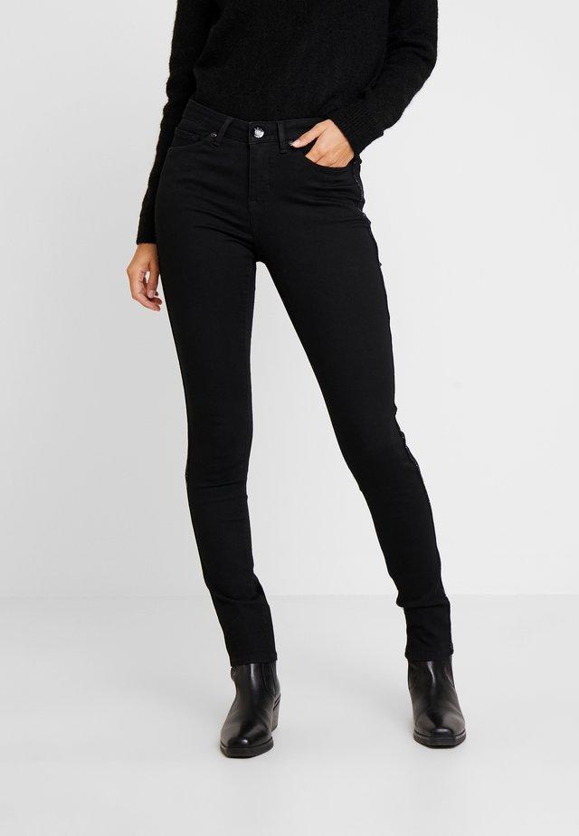 ELMA SOFT - Vaqueros slim fit - soft black