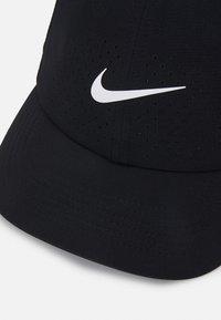 Nike Performance - AERO ADVANTAGE UNISEX - Lippalakki - black/white - 3