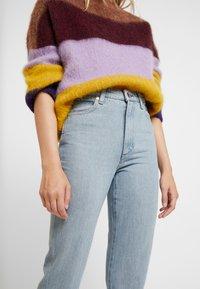 Wrangler - RETRO - Straight leg jeans - ice blue - 4