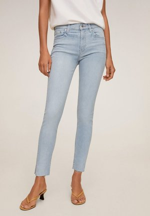 SKINNY JEANS IN 7/8-LÄNGE ISA - Jeans Skinny Fit - hellblau