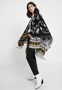 Desigual - PONCHO BARBARO - Cape - black - 0