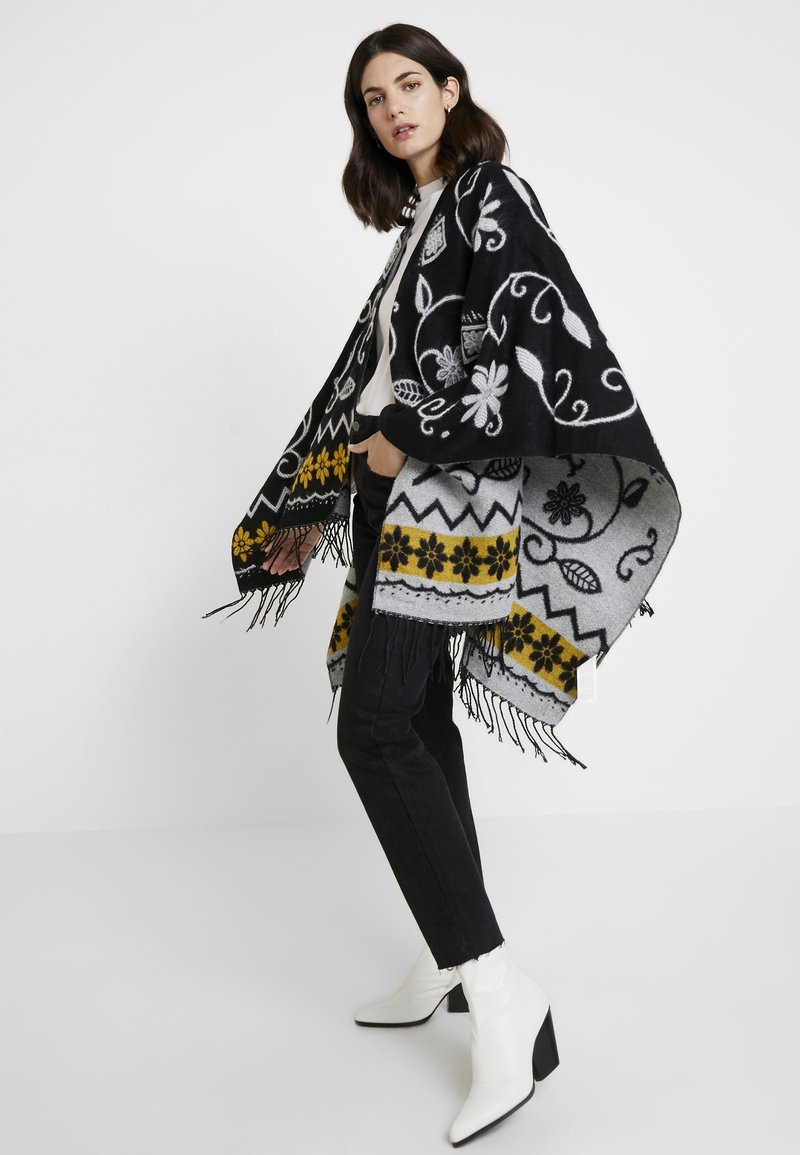 Desigual - PONCHO BARBARO - Cape - black