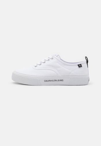 VULCANIZED SKATE OXFORD - Trainers - bright white