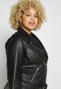 Glamorous Curve - JACKET - Faux leather jacket - black - 3