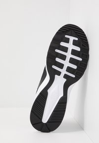 Nike Sportswear - AIR MAX FUSION  - Trainers - black/white - 5